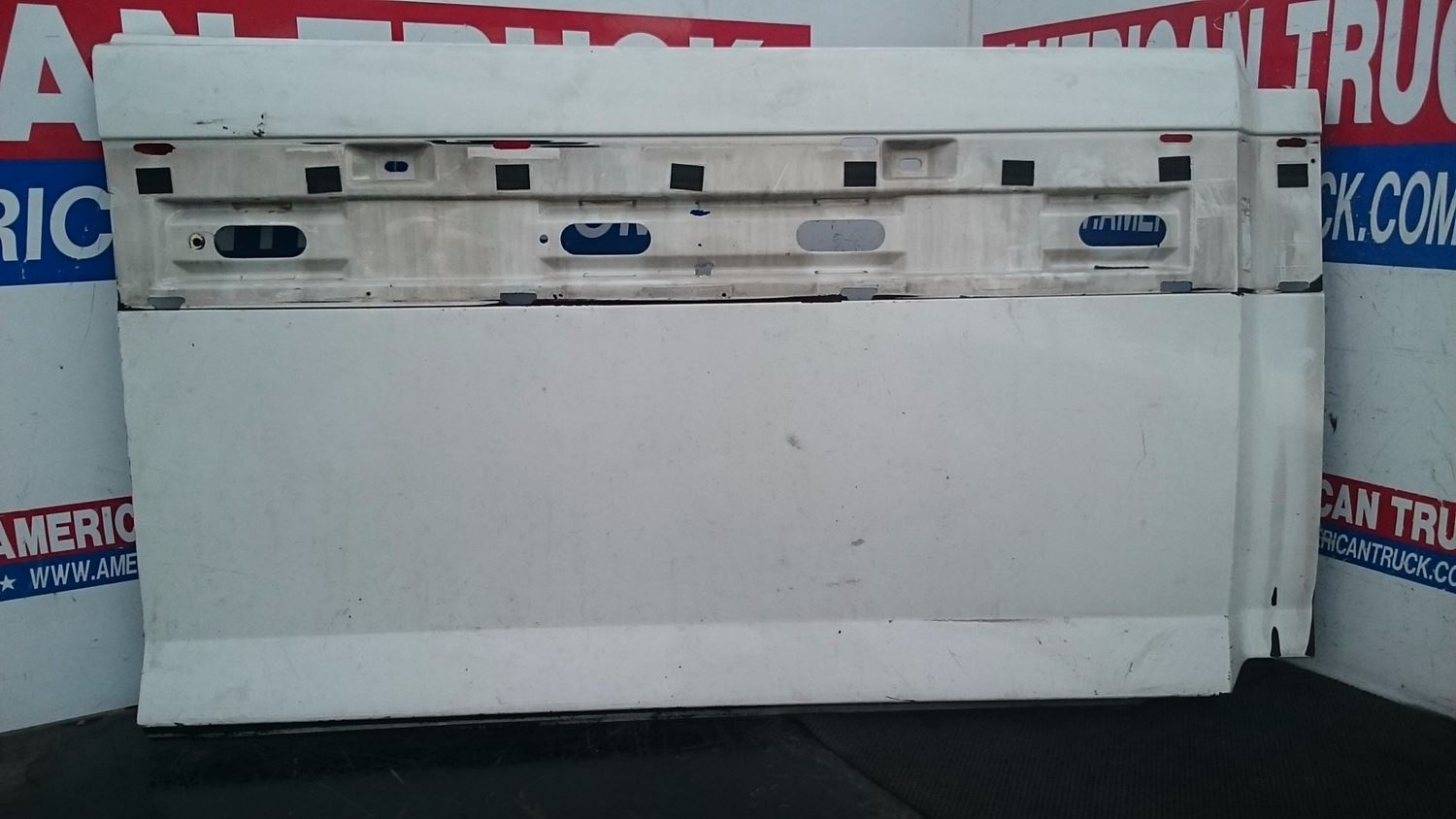 Used Fairings - Tank Fairings for 2005 VOLVO VNL for sale-59044828