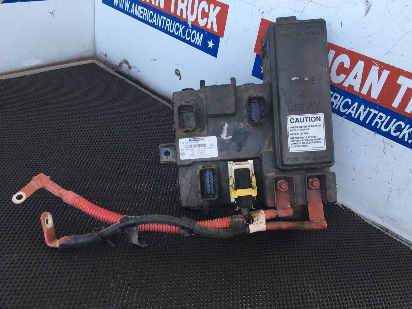 USED CAB ECU WITH FUSE BOX FOR 2014 FREIGHTLINER CASCADIA ...