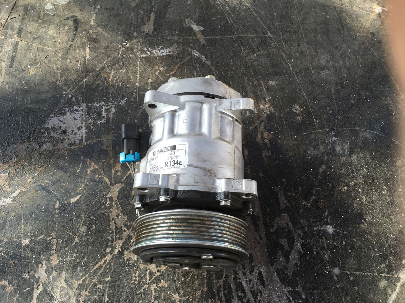 Used Parts for  GM/CHEV (HD) TOP KICK for sale-58981774