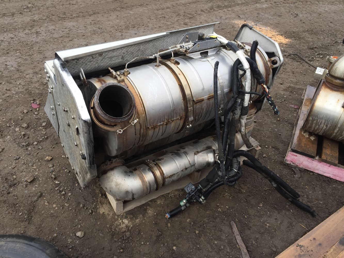 Dpf Diesel Particulate Filter Trucks Parts For Sale ... Kenworth T800 (Stock #H248-5) | Diesel Particulate Filter (DPF) | TPI