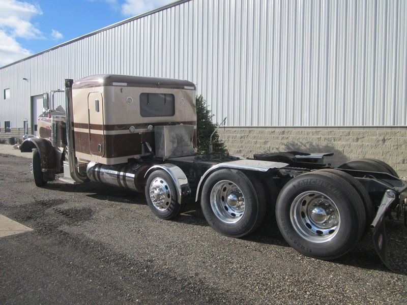 PETERBILT 389 FLAT TOP-GLIDER-TRI AXLE (Stock #901-10612)