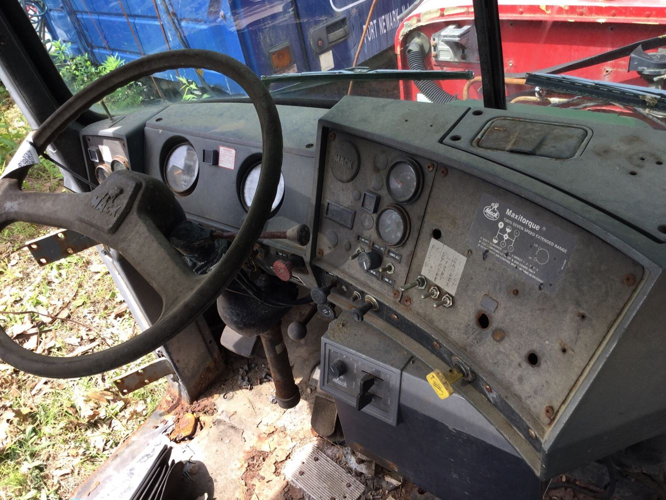 1989 Mack RD690S (Stock #SALVAGE-609-DASH-027) | Dash 'ys | TPI Mack Rd S Headlight Relay Wiring on