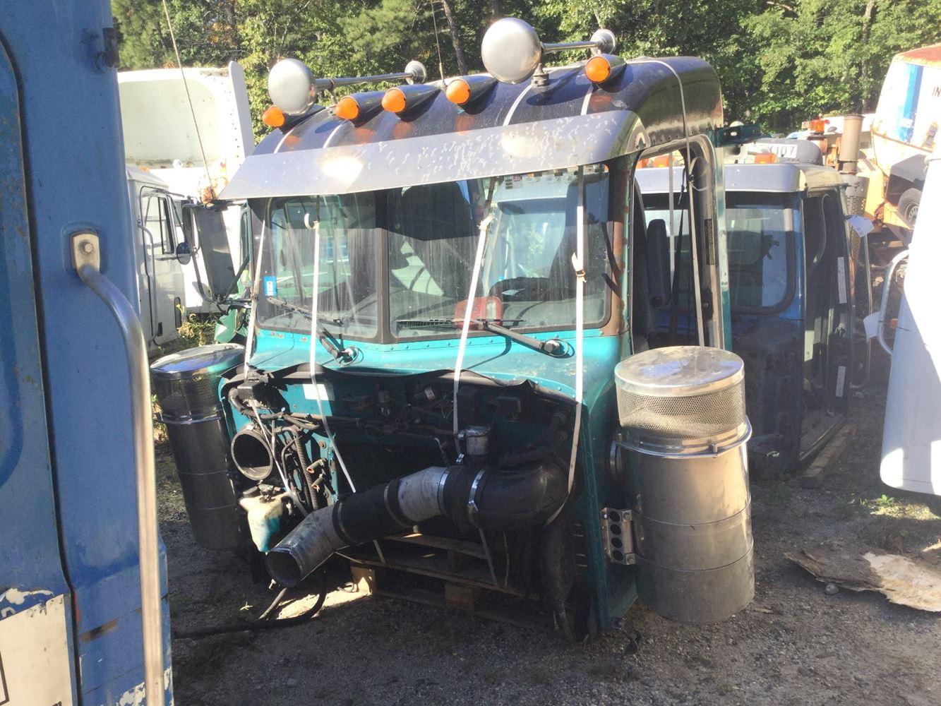 Peterbilt 379 Cab Parts Tpi 2003 Fuse Box 1999 Cabs Stock T Salvage 1352 Pcab 230
