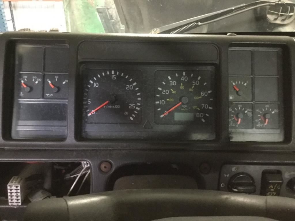 2002 volvo vnl stock 24572534 instrument cluster tpi. Black Bedroom Furniture Sets. Home Design Ideas