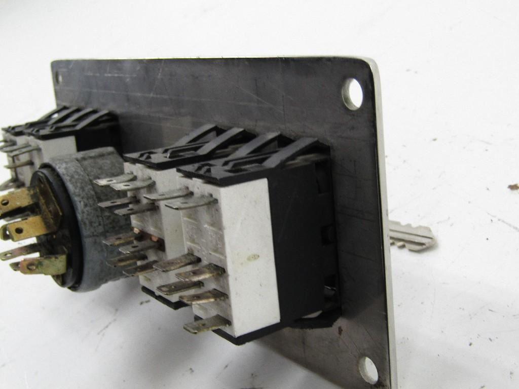 kenworth stock 82913 ignition switch tpi. Black Bedroom Furniture Sets. Home Design Ideas