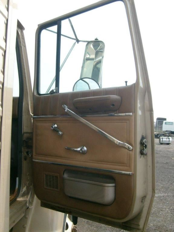 Media 2 for Ford L7000 Doors
