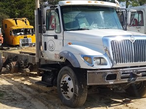 International 7500 - Salvage 9
