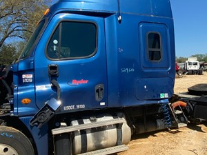 Freightliner Cascadia 125 - Salvage 42