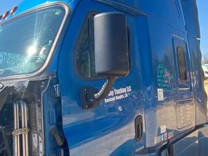 Freightliner Cascadia 125 - Salvage 41