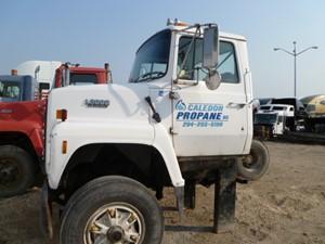 ford l8000 - salvage l80-0235