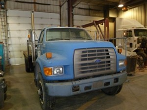 Ford F700 - Salvage F70-3413