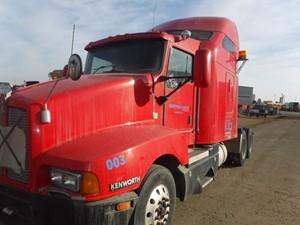 Kenworth T600 - Salvage T60-2132