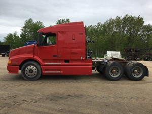 Volvo VNL610 - Salvage VOL00538