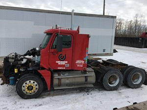 Freightliner COLUMBIA 120 - Salvage FRT08590