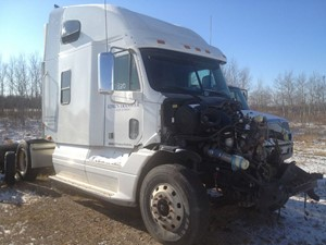 Freightliner Columbia - Salvage FRT08125
