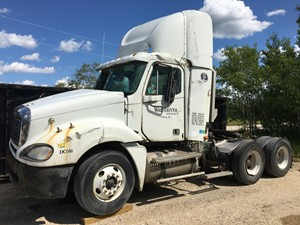 Freightliner COLUMBIA 120 - Salvage FRT09545