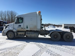 Volvo VNL630 - Salvage VOL10531