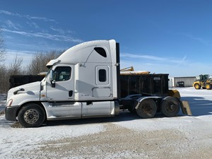 Freightliner Cascadia - Salvage FRT12515