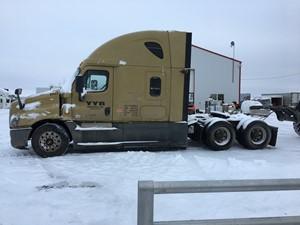 Freightliner Cascadia - Salvage FRT15459
