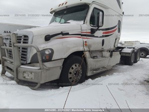 Freightliner Cascadia - Salvage FRT16584