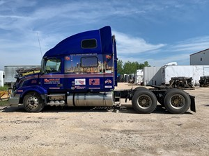 Volvo VNL780 - Salvage VOL16543