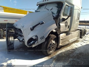 Freightliner Cascadia - Salvage FRT17583