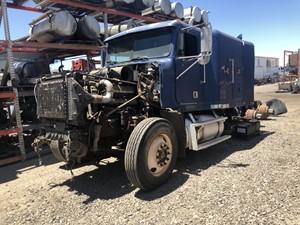 Freightliner FLD120 - Salvage TR154