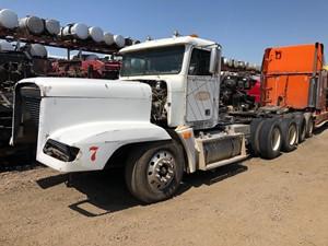Freightliner FLD120 - Salvage TR212