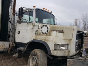 Ford 8000 - Salvage 20-151