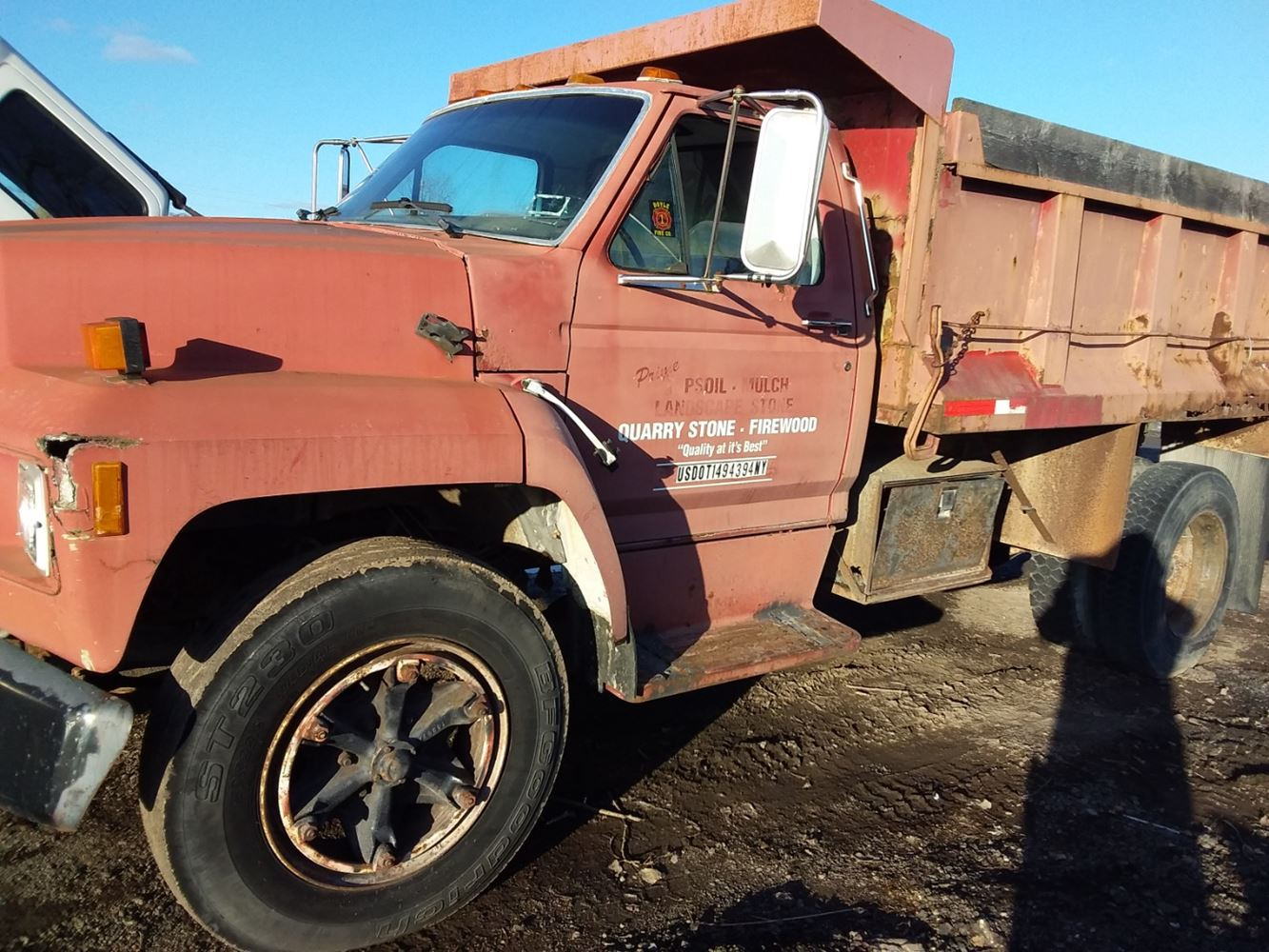 1985 Ford F700
