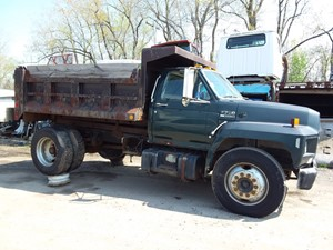 Ford F700 - Salvage 19-092
