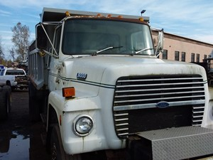 Ford L8000 - Salvage 19-138