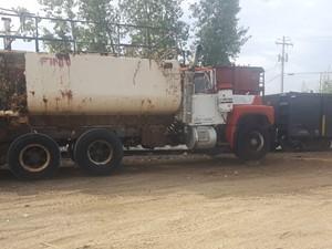 Mack RD690S - Salvage 21-160