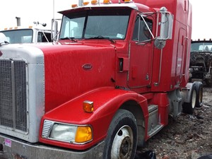 Peterbilt 377 - Salvage 19-045