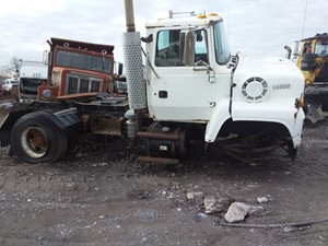 Ford LN8000 - Salvage 19-171