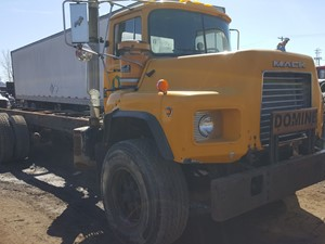 Mack DM690S - Salvage 20-029