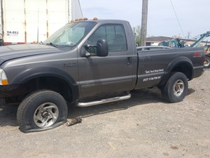 Ford F-350 - Salvage 21-083