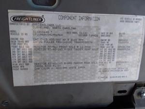 Freightliner CL120 Columbia - Salvage 20-019
