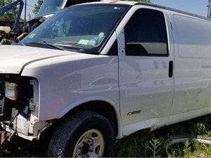 Chevrolet Express - Salvage 13-135