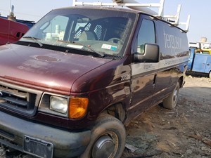 Ford Econoline - Salvage 20-119