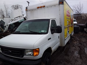 Ford Econoline - Salvage 19-052