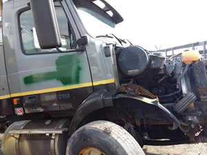 Volvo VNM - Salvage 19-088