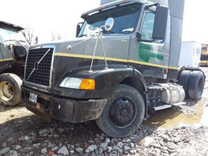 Volvo VNM - Salvage 19-089