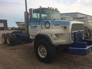 Ford L9000 - Salvage SV-52