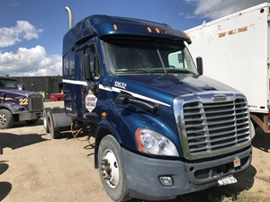 Freightliner Cascadia 132 - Salvage SV-107