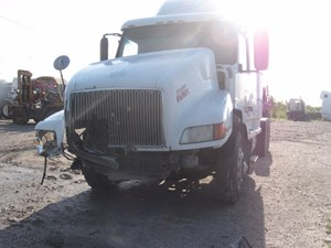 Volvo VNL - Salvage 99-2918