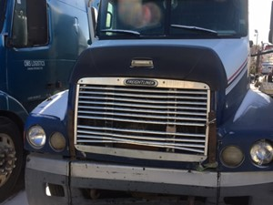 Freightliner ST120 - Salvage IN1152
