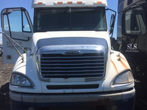 Freightliner COLUMBIA 120 - Salvage IN885