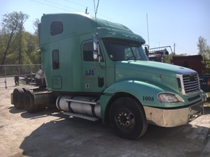 Freightliner COLUMBIA 120 - Salvage IN854