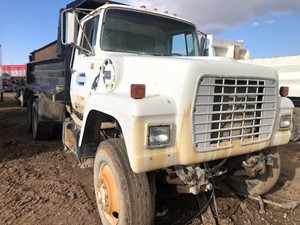 Ford L8000 - Salvage 33021